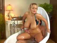 Mature Cutie Gets Fucked In The Bubble Bath