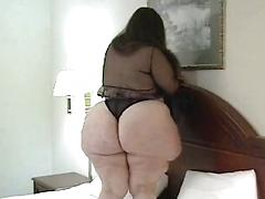 Cute Mature Bbw Woman Catches Sperm In Her Mouth