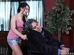 Black-haired pornstar vixen favors two dudes with some riding