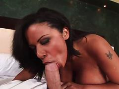 Experienced ebony hottie gets titfucked and screwed in POV